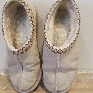 UGG Tan Slippers Size 8